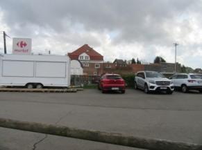 Parking sauvage à proximité immédiate du circuit