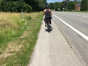 250 m sur piste cyclable non sécurisée
