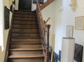 Escalier dans bâtiment ancien (couvent)