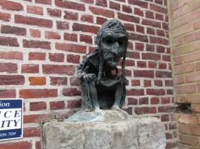 Statut d'une sorcienne assise