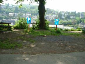 emplacements réservés aux personnes handicapées