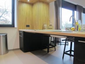 Dégagement sous plan de travail de la cuisine (taques de cuisson et évier)