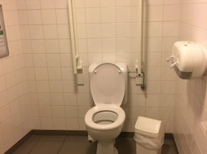 toilette PMR à Herve