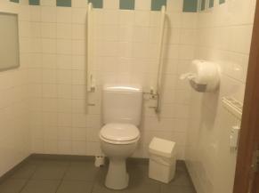 Toilette adaptée à la maison du tourisme du pays de Herve
