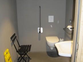 WC adapté (à côté salle petit-déjeuner)