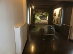Entrée à la salle du musée