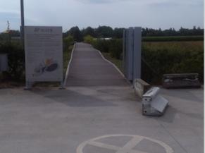 L'entrée de la voie d'accès