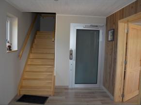 Hall d'entrée avec ascenseur