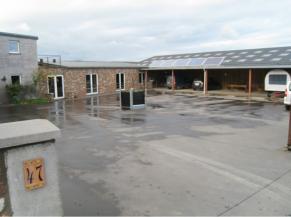 Cour de la ferme pédagogique