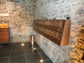 salle des senteurs , objets en saillie