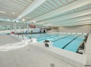 Bassin 8 couloirs, avec fond mobile, profondeur adaptée au water polo