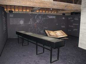 Salle d'exposition du 2ème étage: les Cisterciens