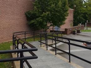Rampe accessible - entrée secondaire
