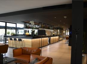 Bar d'accueil et lounge