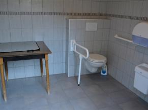 WC PMR, totallement adapté