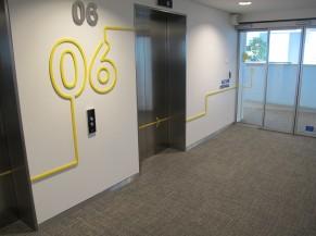 Signalétique type cage d'ascenseur