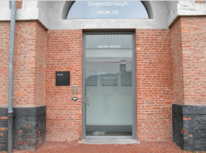 Porte d'entrée Salle nord