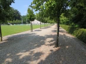 Cheminement meuble vers la Fontaine (à l'arrière du Château)