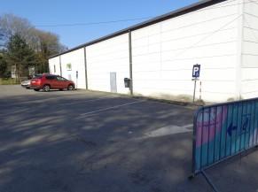Emplacements réservés à proximité de l'entrée