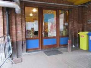 Porte du Hall coté cour de récréation