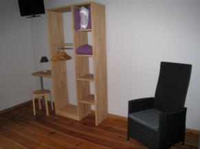 Chambre adaptée au rez-de-chaussée