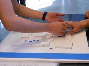 Maquette utilisée pour expliquer le lieu aux peronnes aveugles