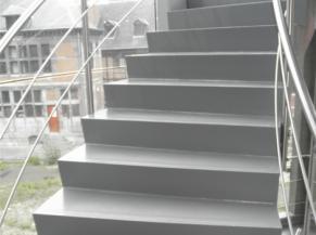 escalier intérieur non sécurisé