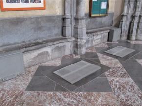 Couloirs latéraux avec grille d'aération (ressaut : 1,5 cm)