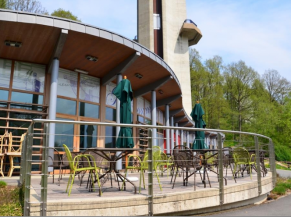 Terrasse du restaurant au niveau du barrage