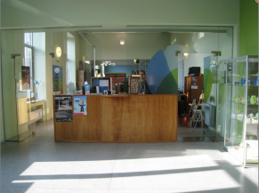 Hall d'accueil et comptoir