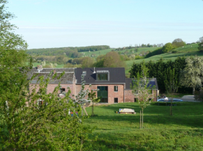 Vue générale de la ferme de Berwausault