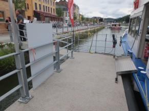 Ponton et rampe d'accès au bateau