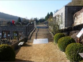 Ponton d'accès à la terrasse située en partie supérieure