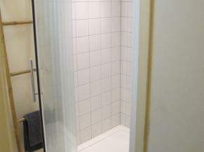 Salle de douche (rez-de-chaussée)