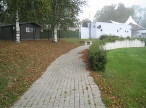 Rampe d'accès vers la piscine