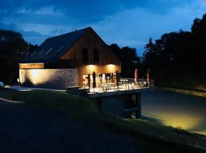 Hôtel Restaurant La Libellule, vue générale de nuit
