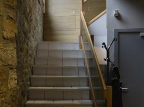 Escalier vers les chambres