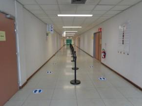 Couloir vers la salle d'attente
