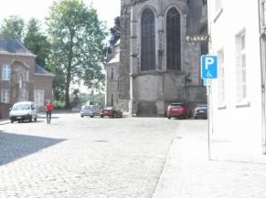 Parking réservé aux personnes handicapées en voirie