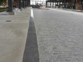 Bordure longeant toute la Gare en partie centrale