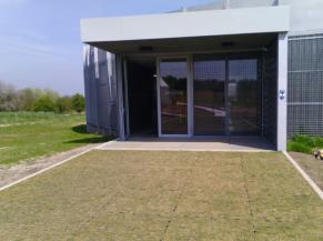 L'entrée du musée de plain-pied