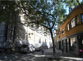 Vue de la rue provenant de droite