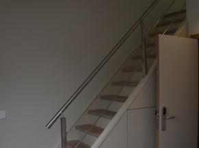Escalier vers salle de douche (chambre paire)