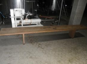 banc dans la distillerie