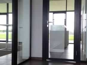 Portes vitrées circulation verticale