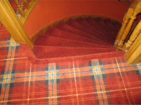 1er étage: première marche de l'escalier vers le rez non sécurisée