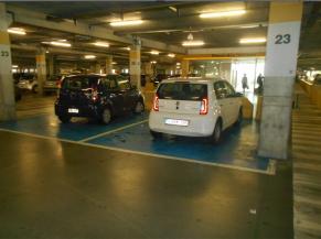 Emplacements de parkings réservés