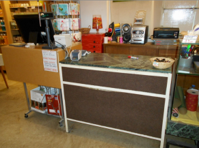 Comptoir du magasin et billetterie